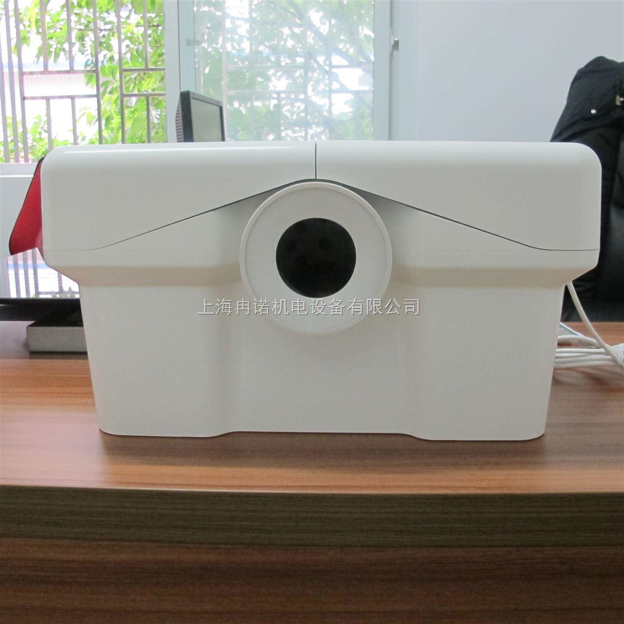 设备提供与马桶排水管的连接口密封性很好,既保证清洁,又连接可靠