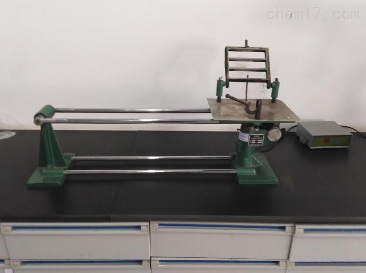 """名称:水泥胶砂振实台 其他名称:ZT-96水泥胶砂振实台、水泥振实台、水泥振动台 型号:ZT-96 荣计达产品编号:SN02 水泥胶砂振实台的制造工艺完全满足国家标准,由中国建材科学院水泥所设计,水泥胶砂振实台是国家标准""""水泥胶砂强度检验方法(ISO法)GB/T 17671-1999""""规定的统一设备,水泥胶砂振实台适用于水泥胶砂试件制备时的振实成型,水泥胶砂振实台设备质保期一年,一年内产品如有质量问题,供方负责免费维修。如果因操作不当或者人为损坏,我公司亦应提供维修、更换服务,由此产生的费用"""